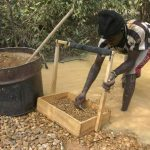 Children head to diamond mines in pandemic-hit Central African Republic
