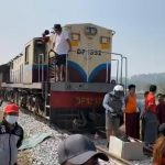 Myanmar military guarantees new election; protesters block train services